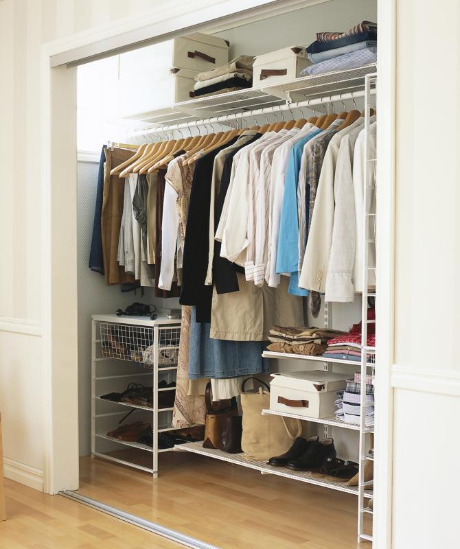 Маленькая гардеробная комната (116 фото из кладовки)